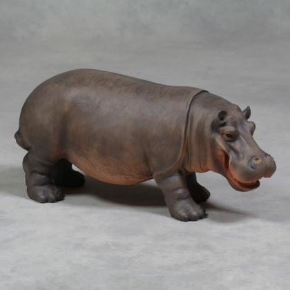 Bébé hippopotame en résine