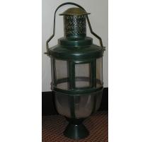 Lanterne ronde verte sur pied, en fer