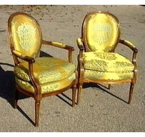 Pair of armchairs Louis XVI cabriolet.