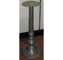 La columna, de estaño. Italia. Siglo 20.