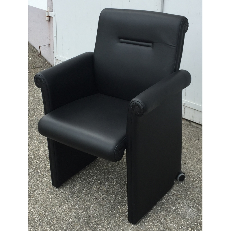 fauteuil en cuir noir forum bridge sur moinat sa antiquit s d coration. Black Bedroom Furniture Sets. Home Design Ideas