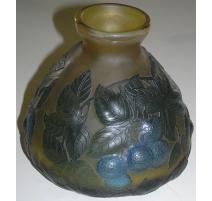 Vase jaune, vert et bleu type GALLÉ,