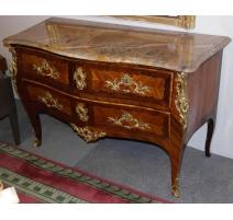 Commode Louis XV, en bois de rose.
