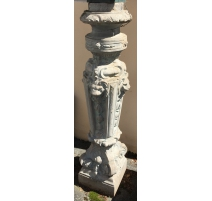 Pair of columns or pillars in cast iron