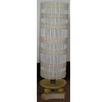 Lampe avec base en bois et abat-jour