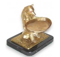 """Bronze doré """"Ours"""" avec plateau et socle noir."""