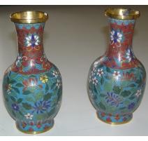 Paire de vases, en métal cloisonné à
