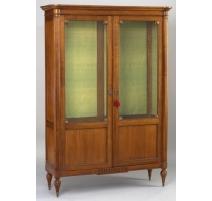 Biblioteca de dos puertas de vidrio