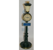 """El reloj de la Lámpara de calle """"de la CALLE DE la PAZ"""""""