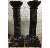 Pair of columns, in black marble Portor