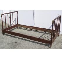 Кровать в Колониальном стиле, из красного дерева и