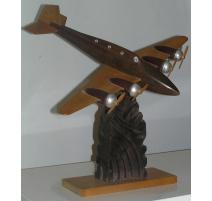 """Sculpture """"Maquette d'avion"""", en hêtre,"""