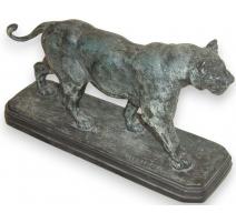 """Bronze """"Lionne"""", signé DELABRIERRE."""