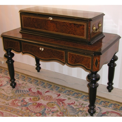Music box, burr with a drawer and 4 cylinders.