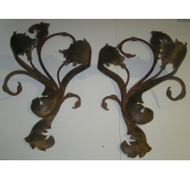 Pair of appliques at 2 lights, iron
