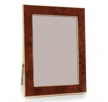 图片帧放大的玻璃和金属,
