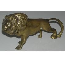 """Sculpture """"Lion"""", en laiton. Inde."""