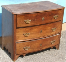 Louis XIV chest of 3 drawers.