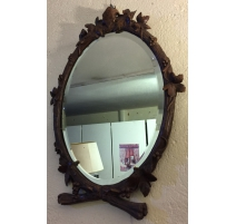 Miroir ovale en bois sculpté de Brienz