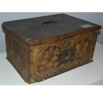 "Small wooden chest painted ""Flowers and fruits"""