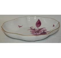 Ravier ovale, porcelaine Meissen. Décor de fleurs.