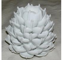 Artichaut en porcelaine blanche