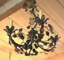 Lustre forme de poire avec fleurs