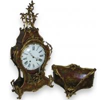 Louis XV matel clock, Vernis M