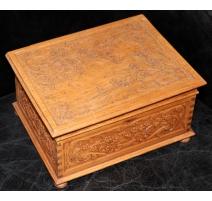 "Caja de madera tallada ""HENRIETTE"""