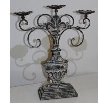 Candelabro con 3 velas, de hierro pintado de grandes