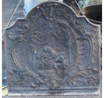 Placa de chimenea de estilo Regencia de hierro fundido