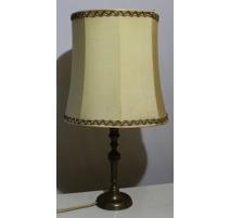 Lampe en laiton avec abat-jour en parchemin