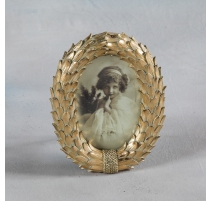 "Picture frame oval ""Crown of laurels"" golden"