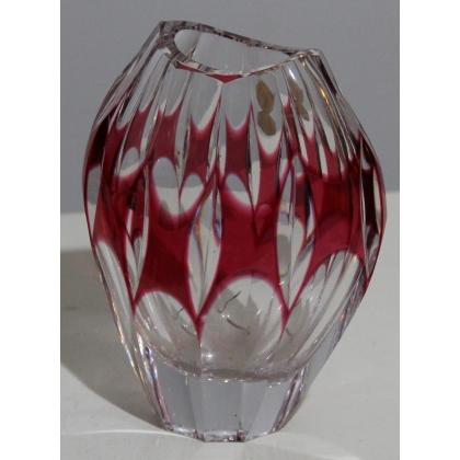 Vase ovale en cristal rouge par NACHTMANN