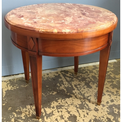 Table bouillotte basse, dessus marbre rose