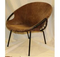 Paire de fauteuils ronds en cuir et tubes