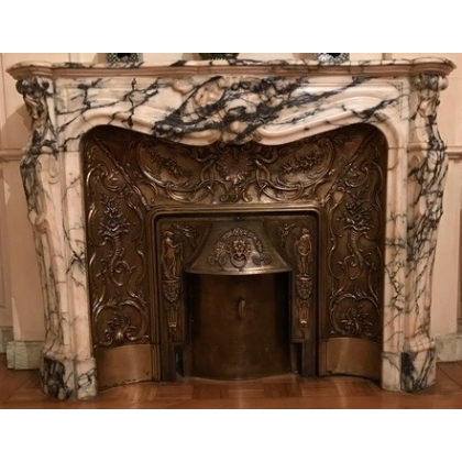 Cheminée style Régence en marbre brocatelle