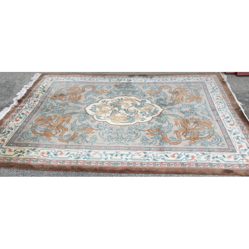Tapis chinois motif Dragons