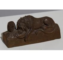 """Sculpture """"Lion de Lucerne"""" de Brienz"""