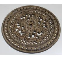 Plaque ronde ajourée en fonte dorée
