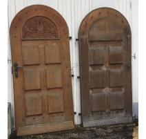 Paire de portes arquées en bois