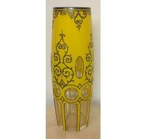 Vase de bohème, cristal taillé jaune avec overlay