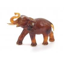 Éléphant en ambre gravée attribué à LOMBARD