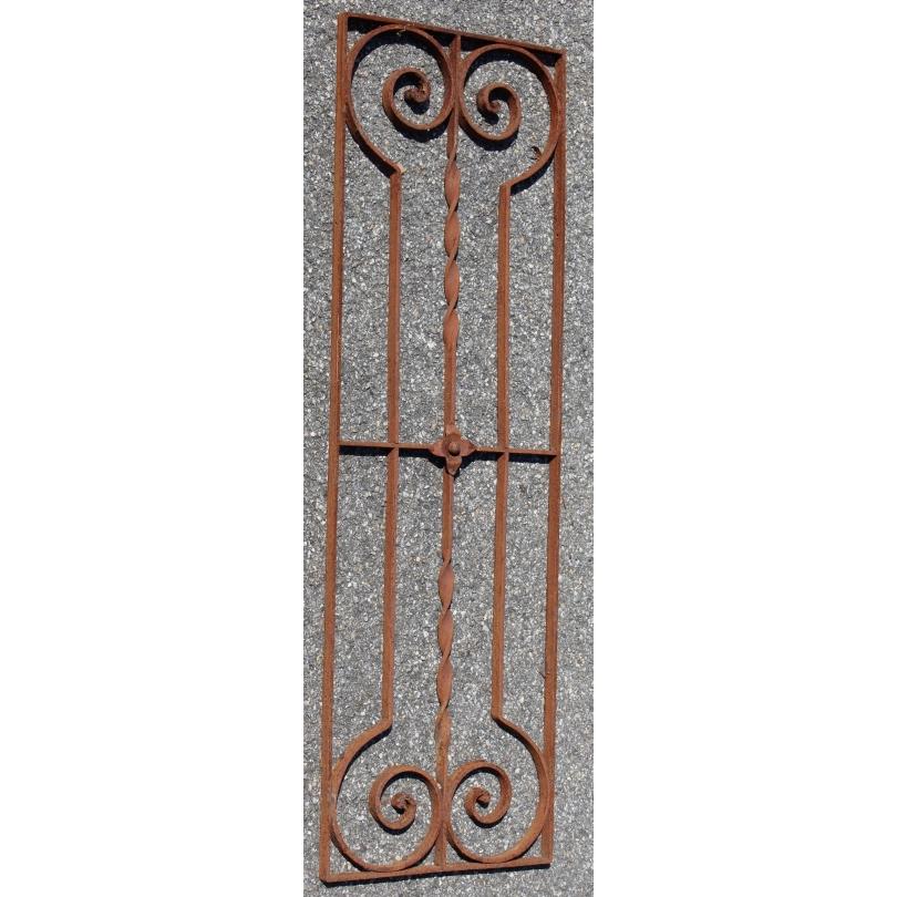 grille en fer forg sur moinat sa antiquit s d coration. Black Bedroom Furniture Sets. Home Design Ideas
