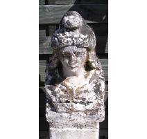 """Sculpture en pierre """"Marianne"""""""