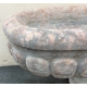 Grand bassin ovale en marbre rose, à godrons