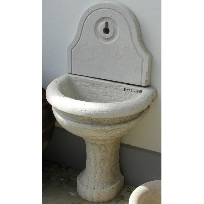 Fontaine demi-lune en marbre blanc