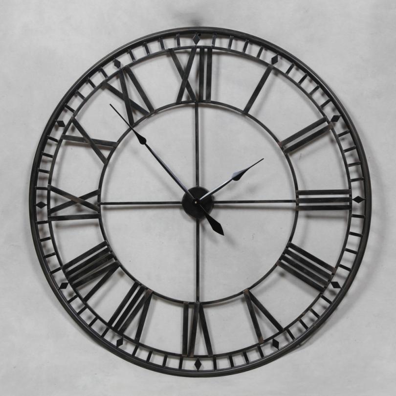 Grande Horloge murale en fer forgé ajourée