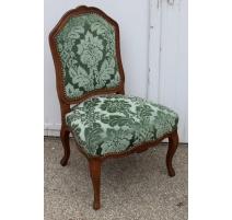 Chaise Louis XV recouvert de velours gauffré vert