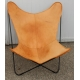 Paire de fauteuils Butterfly en cuir beige